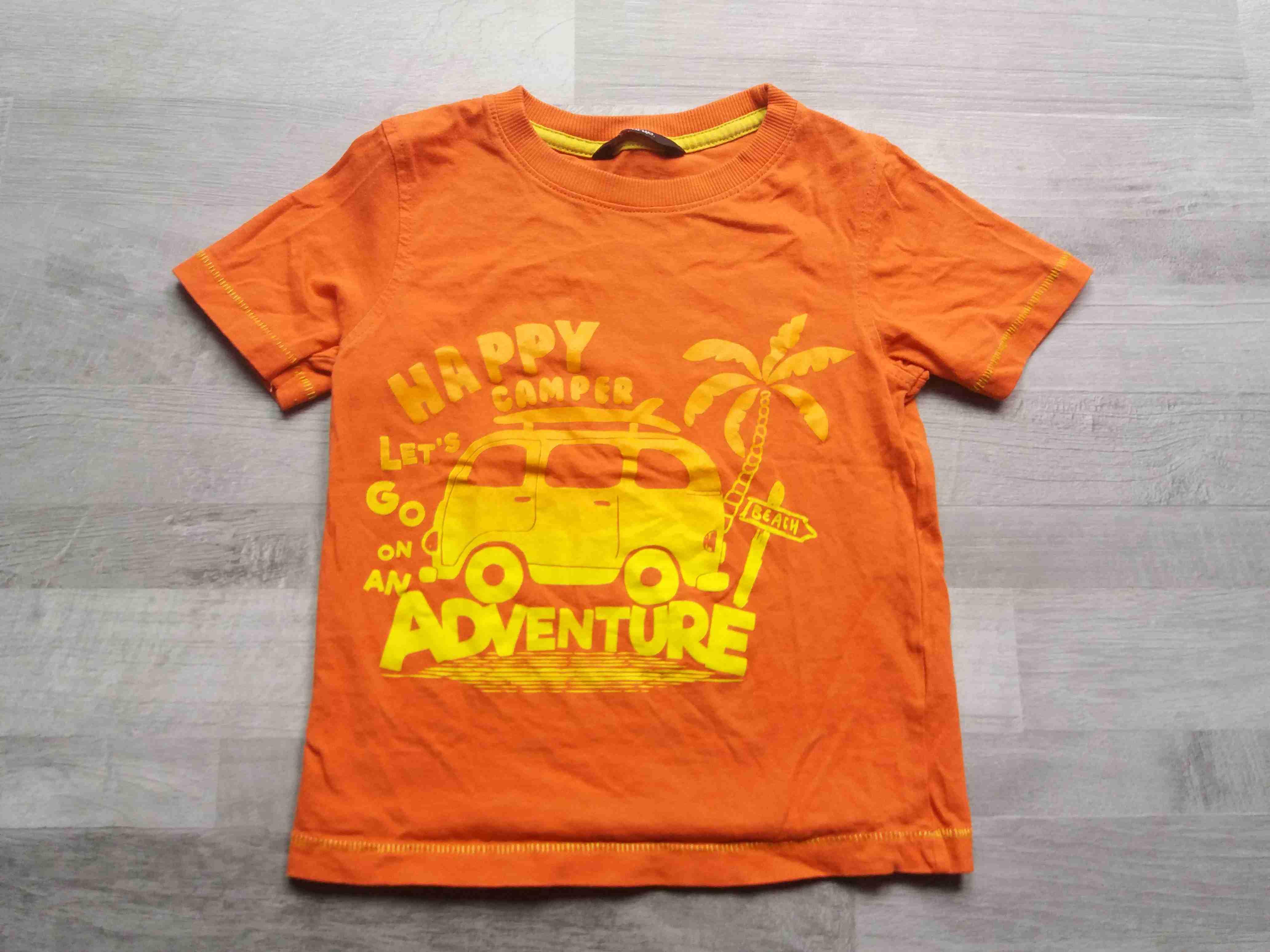 3c4d9704fa7 tričko oranžové s autem GEORGE vel 104