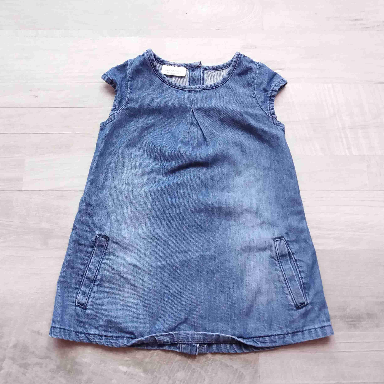 75eca95ad5e0 šaty modré riflové NEXT vel 74