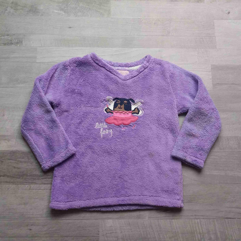 525a64fdf640 tričko od pyžama chlupatkové fialové s pejskem ESSENTIALS vel 116 ...