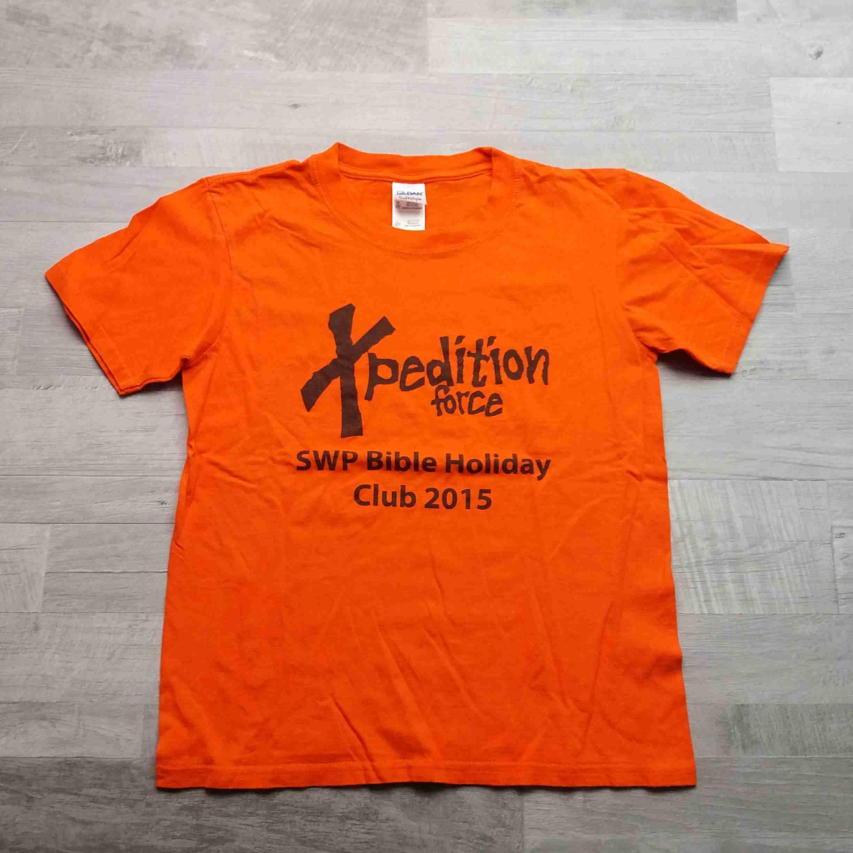 213c8a8d9f1 tričko kr.rukáv oranžové s nápisem vel 140